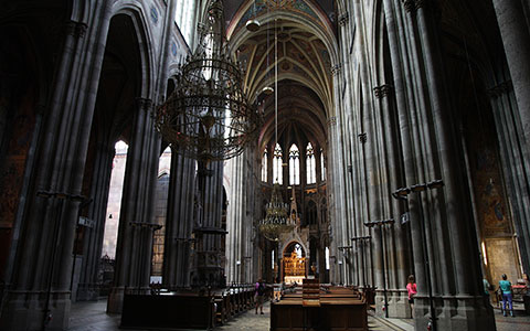 12-4-Votivkirche