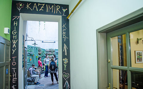 13-3-Kazimir-Attraction-02