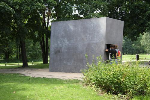 13-6-Denkmal_Homosexuelle