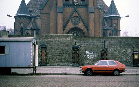 2-1280px-Versoehnungskirche_Bernauer_Strasse