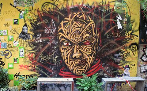 7-HausSchwanzenb-Grafiti