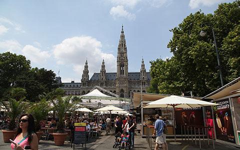 8-2-Rathausplatz