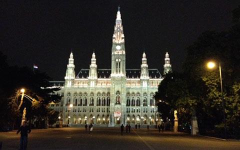 8-5-Rathausplatz